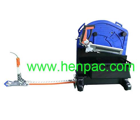 Ergonomic pallet strapping system with electrically driven Chain Lance