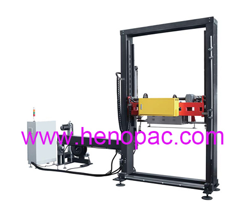 Fully automatic vertical pallet strapping with top presser